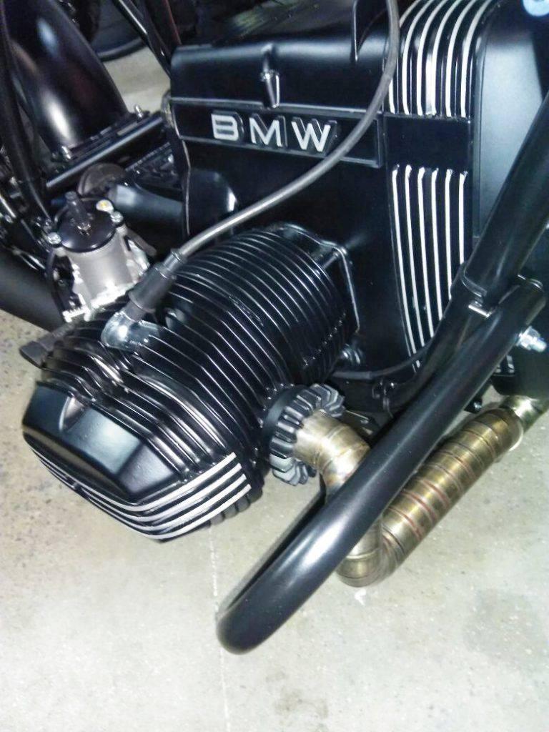 detaillierte Nahaufnahme - Umbau BMW R100 RT in NRW