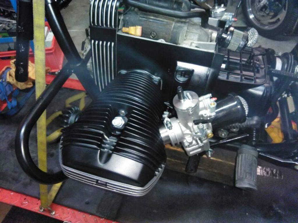effektiver Dellorto-Vergaser mit offenen Luftfilter - Umbau BMW R100 RT Motorrad